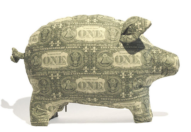 piggy made with US currency
