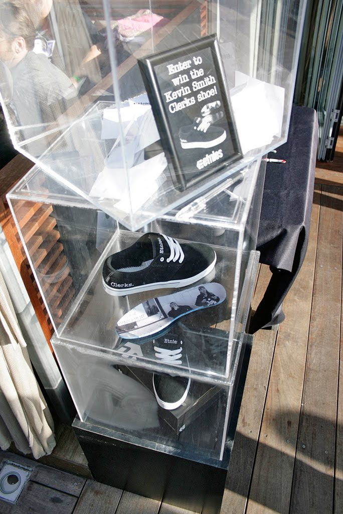 Feature Shoe Store