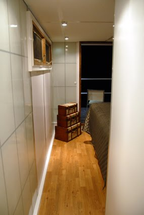 The Metroship A Modern Luxury Houseboat For 250k If