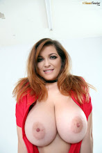 Tessa Fowler -  Touch My Elf