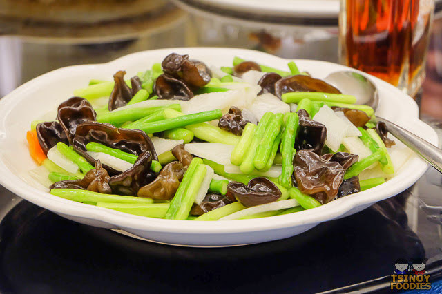 sauteed asparagus with black fungus and chinese yam