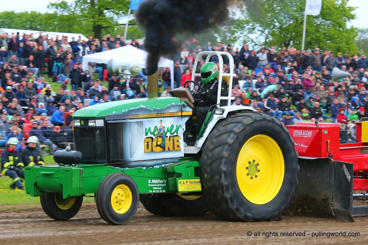 Tractor Pulling Tractor : Tractor pulling news pullingworld never done sold