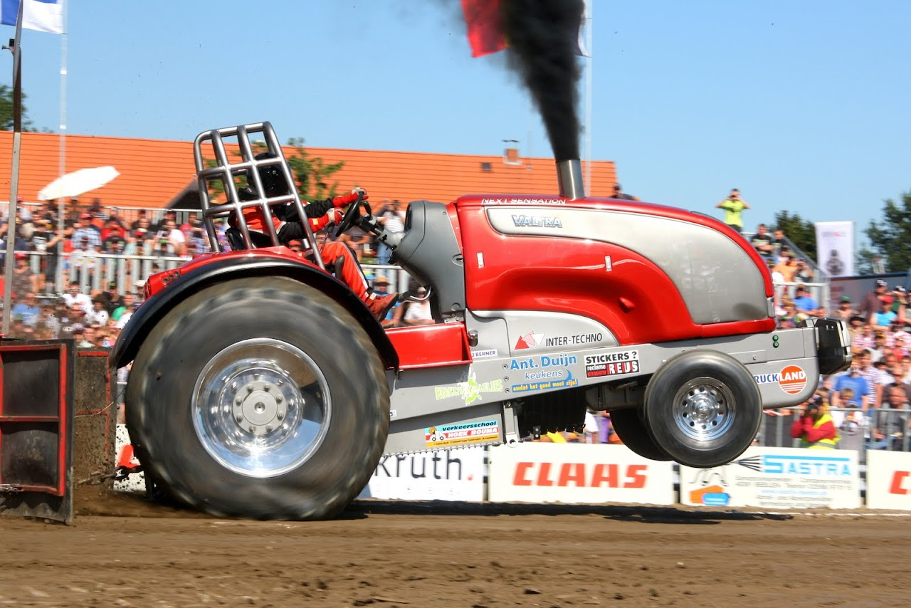 Tractor pulling news pullingworld next sensation sold to